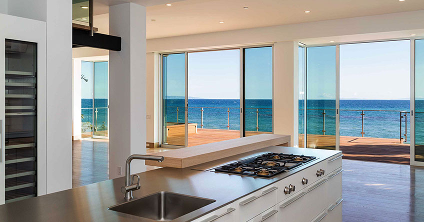 Malibu-Glass-Kitchen